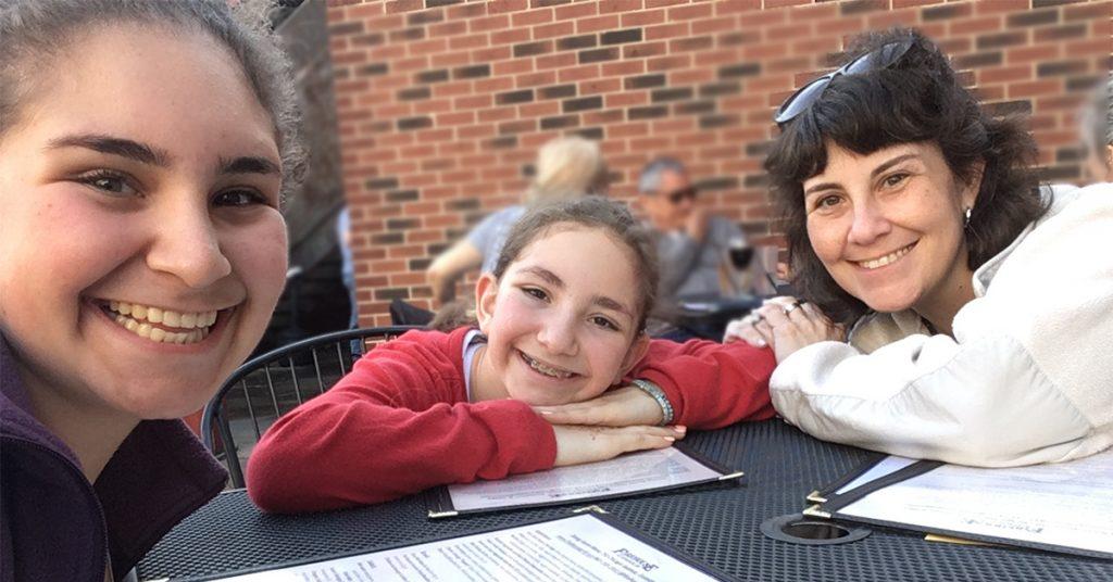 debi-lewis-and-daughters